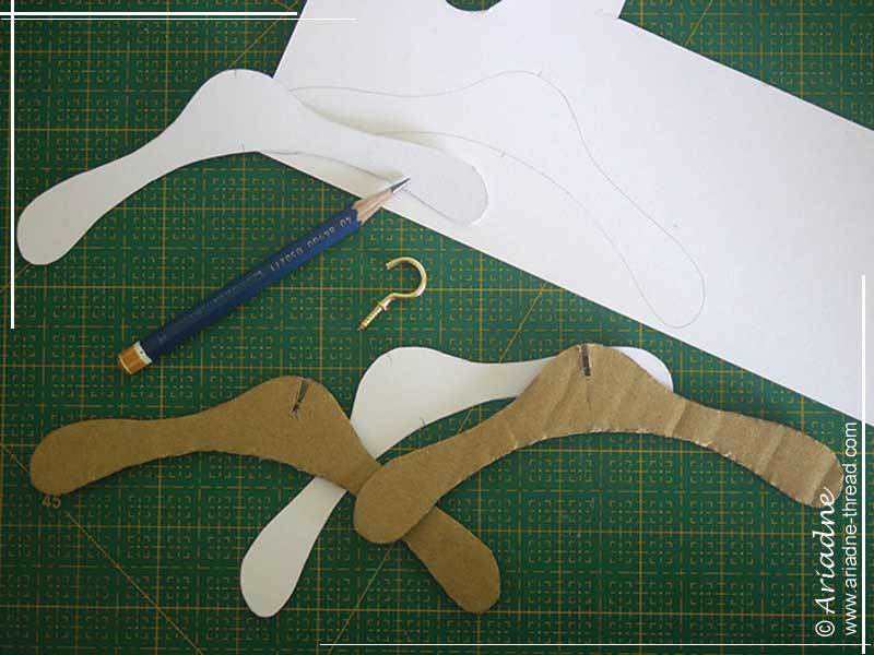 DIY-Doll-clothes-hangers-02