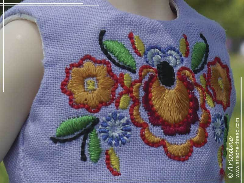embroidery-and-dress-color-close-up