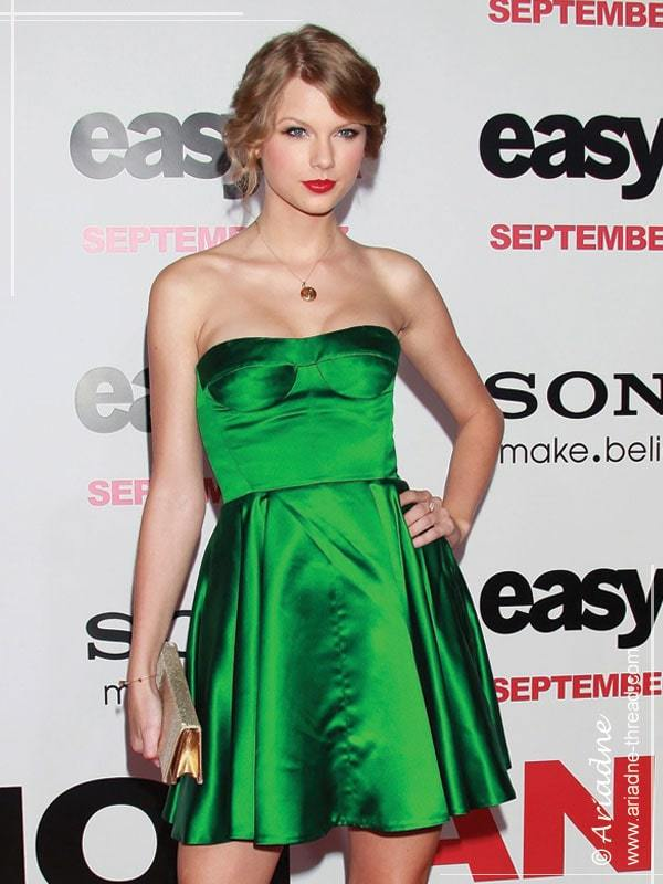 Taylor-Swift-Miu-Miu-emerald-dress