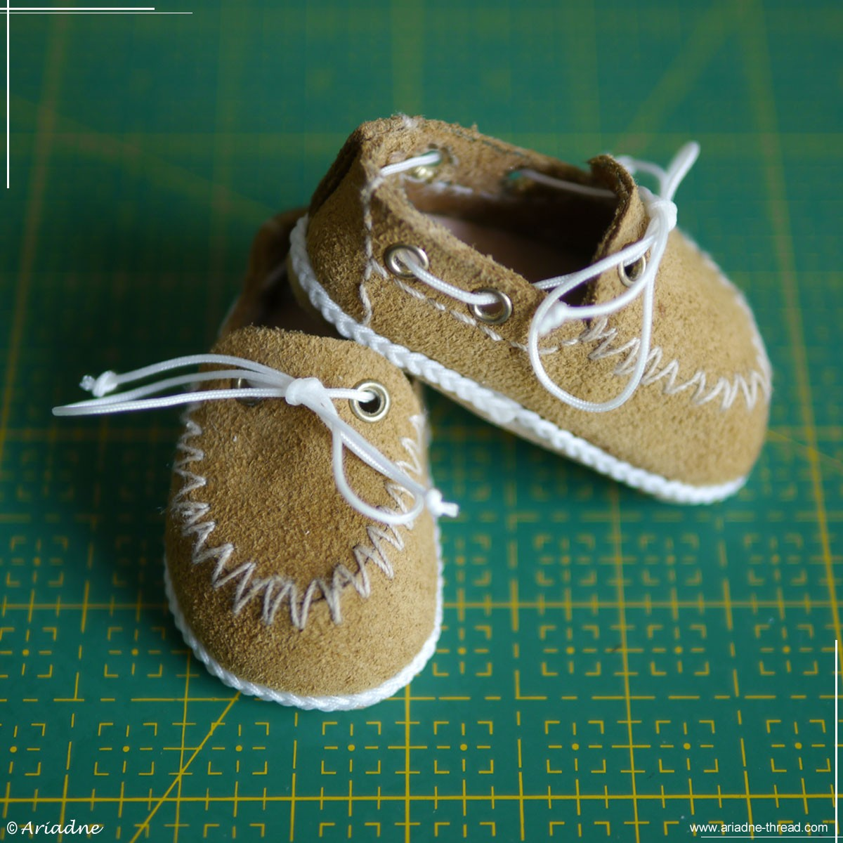 How to make doll shoes
