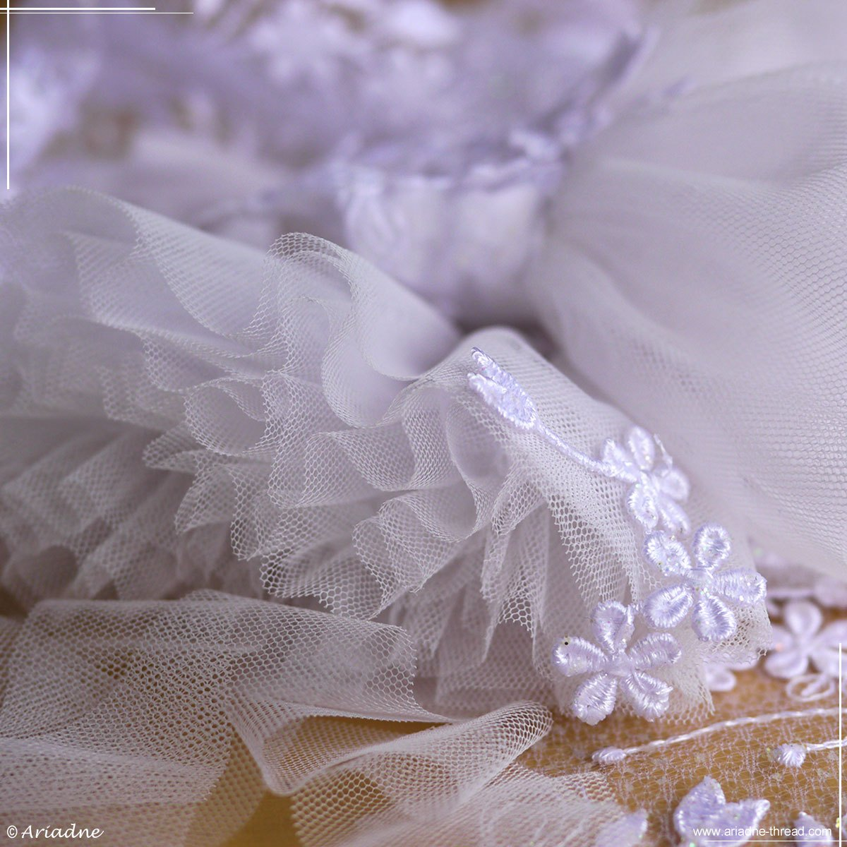 Sewing process of snowflakes costumes for BJD
